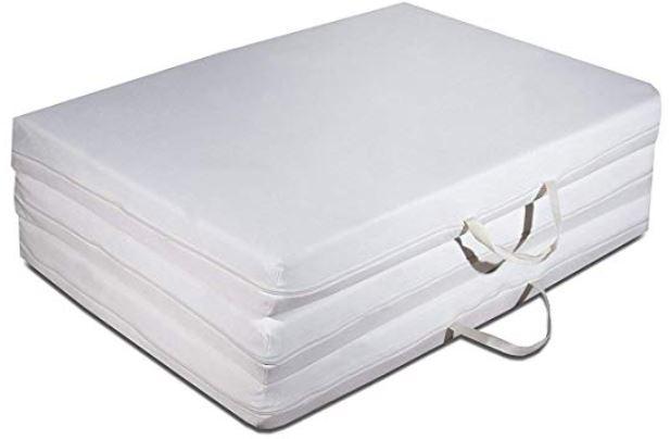 Materasso futon trasportabile chiuso e pratico